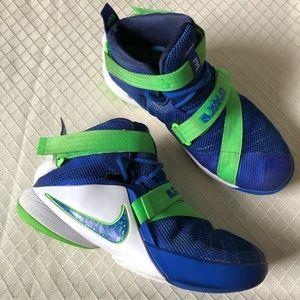 Nike LeBron Soldier 9 Sneakers